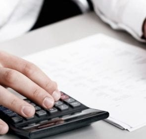 Moving house checklist: calculate costs and pay bills