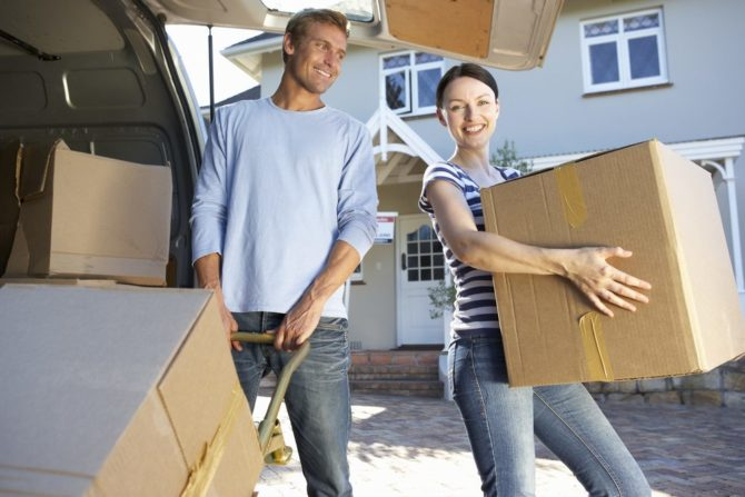Moving house checklist: loading the vehicle