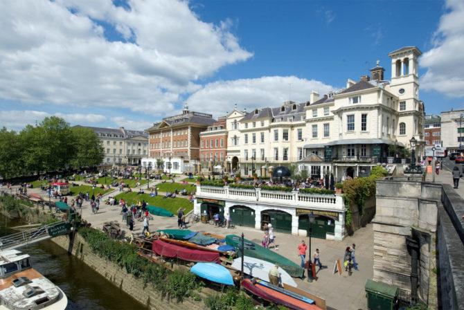 Richmond riverside; house removals London