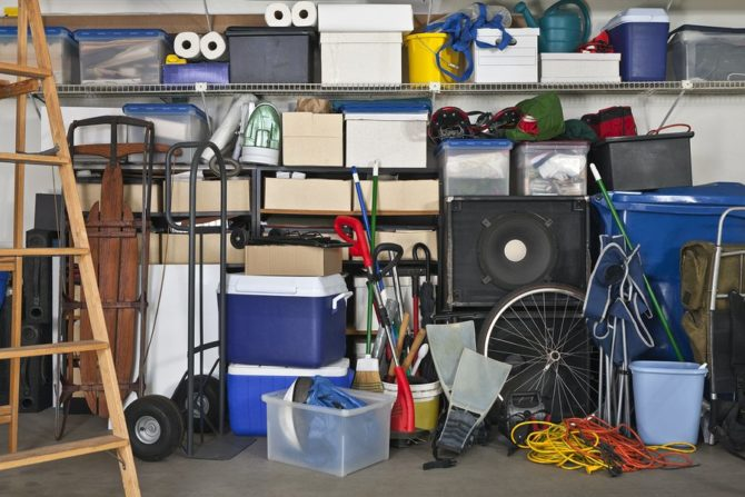 Get rid of your clutter by using storage units