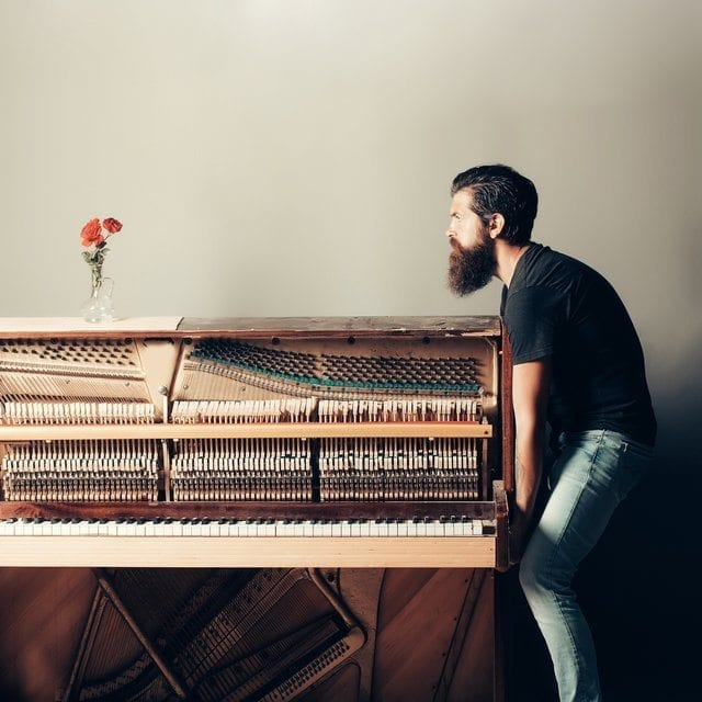 how to move a piano ?